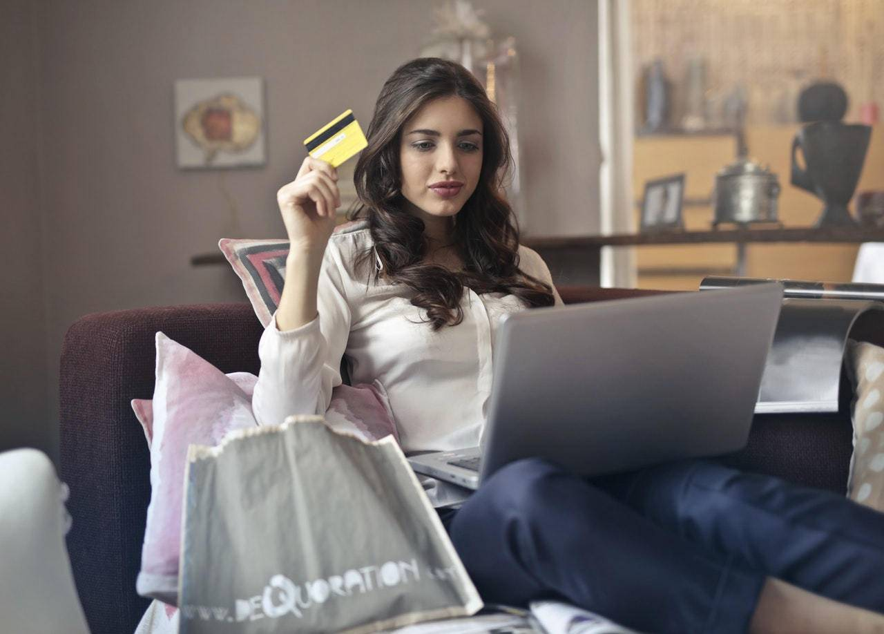 Image showing lady buying goods online