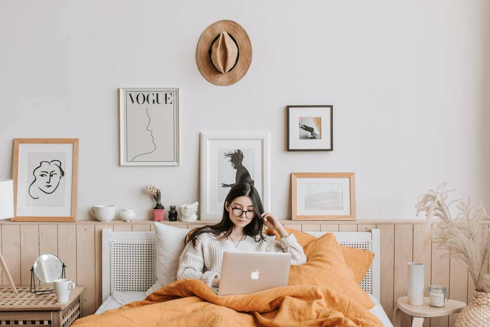 Lady opening marketing email